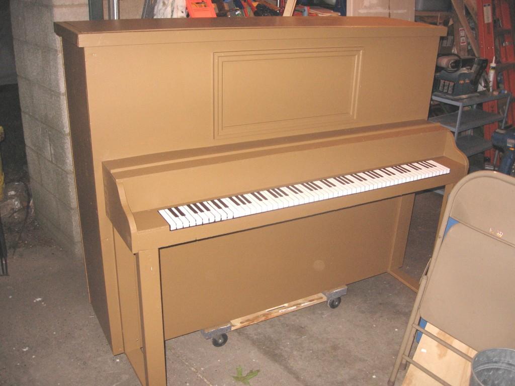 3 Barnum Prop Piano